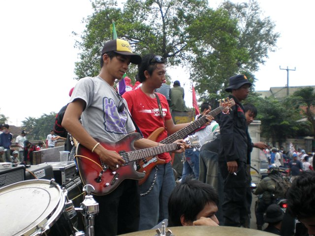 Konser All5ize Band